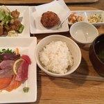 ことり食堂 - 料理写真:ほっこりランチ 品数が凄いでしょ!