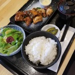 寿都アンテナショップ 神楽 - 3種のザンギ定食 900円