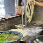 蘭州拉麺店 火焔山 - 面点师