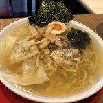 農村かふぇ ハレルヤ - 料理写真:特製ラーメン 700円(税抜)