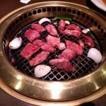 豊味園 江坂本店 - 焼き焼き
