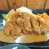 とんかつ本田 - 料理写真:デミがたっぷりで!