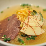 竹屋牛肉店 - 韓国冷麺(690円)