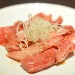 竹屋牛肉店 - 不ぞろいのカルビ(680円)