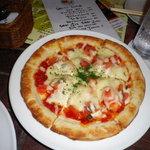サムタイム - アンチョビのピザ