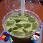 Urth Caffe - オーガニックグリーンティー ボバ ICEアップ