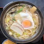 やま幸 - 親子鍋焼きうどん(830円)