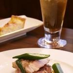 Kokoro - イベリコ豚のソテーと野菜のエチュベ。ビールともよく合います◎