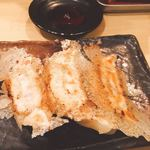 85796514 - 餃子は羽根つき、3個で230円(^^)