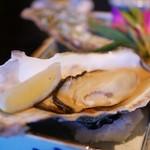 先斗町 魯ビン - 岩牡蠣 蒸し