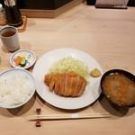 85799090 - ロース+ごはん+豚汁