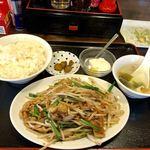 八福食堂 - 料理写真:メガ豚もやし定食  680 外