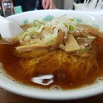 若葉 - 中華そば 化調が支えるスープ