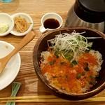 八十八楽 - 鮭といくらの北海ごはん:980円