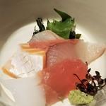 冨々 - 5種類のお刺身  マグロ 鯛 カンパチ サーモン イカ