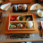 ホテルニューアワジプラザ淡路島 - 朝和定食