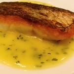 85807880 - ◎魚料理② 真鯛のポワレ、白ワインのソース
