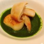 lien - ◎魚料理① 帆立とホッキ貝のソテー、春菊のソース