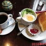 喫茶どんぐり - バタートースト \600