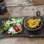 85817938 - 前菜(温かいカボチャのスープ、カボチャサラダ、トマトのキッシュ、野菜サラダ)