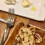 バール ハグ - チーズ盛り2種は リコッタとウォッシュチーズ♡