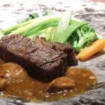 ポン・ヌフ - 千屋黒毛和牛フィレの網焼き、きのこのソース(ミディアム)