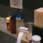煮干乱舞 - 卓上の調味料
