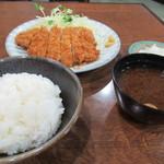 とんかつ屋九兵衛 - 料理