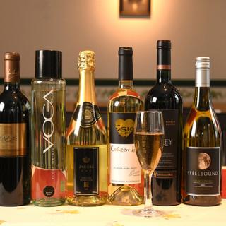 シェフ自らが厳選、料理とのマリアージュを楽しむワインの数々