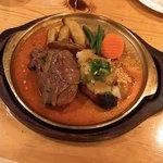 ウト・ウーク - 料理写真:和風おろしハンバーグとサーロイン肉巻きハンバーグのハーフ&ハーフ