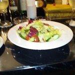 コインズアウル - 料理写真:なんかサラダ