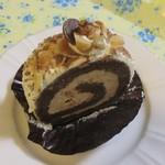 おやつ工房 さかみち - 料理写真:チョコナッツロールケーキ