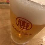 85830961 - まずはビールだわね。