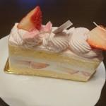 パティスリー オー フィル ドゥ ジュール - ショートケーキ