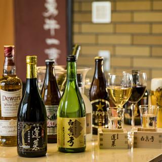 熟成飛騨牛に合わせたワインや地酒などご用意いたしております。