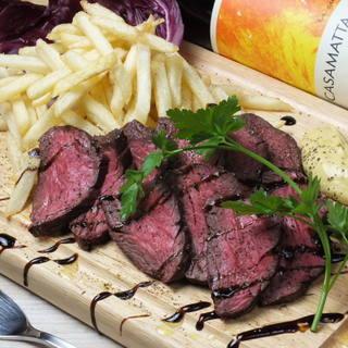 ボリューム満点のお肉料理を充実!