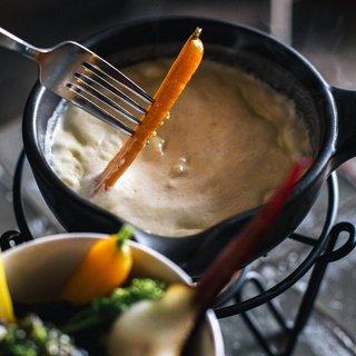 ふわふわエスプーマのチーズフォンデュ