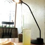 cafe apartment - パッションフルーツソーダ