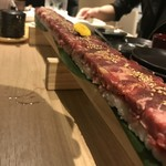 85842014 - ロング桜ユッケ寿司