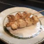 和鶏屋 - H.30.3.25.夜 塩水漬け胸肉串焼き @140円×2本