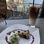 アンジェラ - ブルーベリーのタルトとカフェモカ