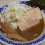 85842703 - 炒め野菜 濃厚豚骨魚介つけ麺(つけ汁)