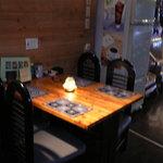 ティペット喫茶レストラン - 4人用のテーブル席です