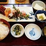 兆一 - お刺身定食 1,080円