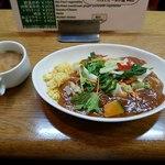 カレーショップ ボナッ - ボナッカレー炒め野菜全容