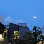 BISTRO FAVORI - 満月が上がってきました
