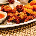 チャンパー - 鶏のから揚げと海老のすり身揚げ