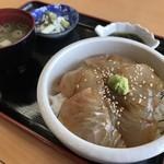 道の駅 ふかうら - 料理写真:平目の漬丼