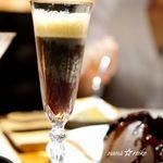 イタリアン&グリル アクア イルフォルノ - ドラフトニトロコーヒー