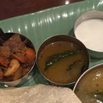 85871633 - カード、ラッサム、野菜の炒め物